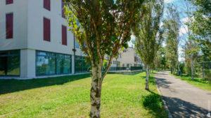 Ufficio con rilassante vista panoramica immerso nel verde
